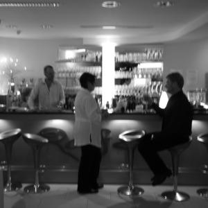 Unsere Räume: Blick vom Tanzsaal in unsere Bar.